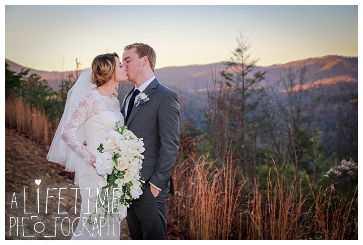 Wedding Brothers Cove Photographer Gatlinburg-Pigeon-Forge-Knoxville-Sevierville-Dandridge-Seymour-Smoky-Mountains-Townsend-Photos-Greenbriar Session-Professional-Maryville_0314
