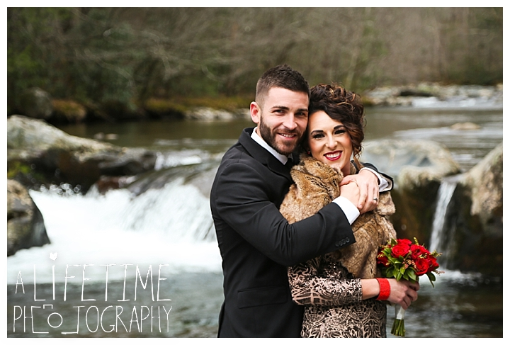 Wedding Newlywed Photographer Gatlinburg-Pigeon-Forge-Knoxville-Sevierville-Dandridge-Seymour-Smoky-Mountains-Townsend-Photos-Greenbriar Session-Professional-Maryville_0211