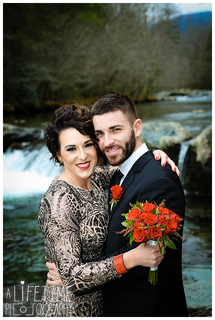 Wedding Newlywed Photographer Gatlinburg-Pigeon-Forge-Knoxville-Sevierville-Dandridge-Seymour-Smoky-Mountains-Townsend-Photos-Greenbriar Session-Professional-Maryville_0213
