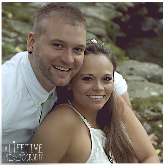 Wedding-Photographer-Smoky-Mountains-Gatlinburg-Knoxville-Pigeon-Forge-Seymour-Sevierville-Kodak-Newlywed-chapel-Emerts-Cove-17