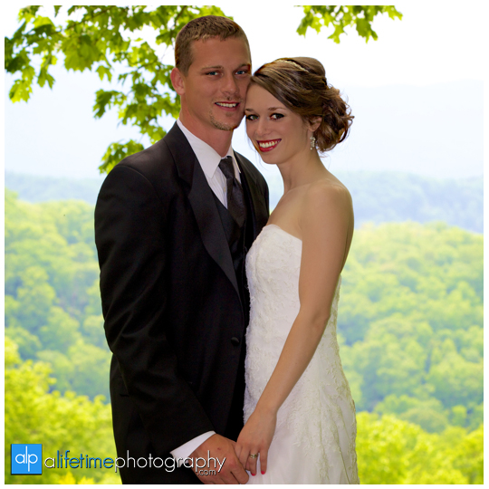 Wedding-Photographer-in-Pigeon_Forge-Gatlinburg-Sevierville-Knoxville-TN-Smoky-Mountain-Bride-Groom-elope-marraige-Mountain-View-Motor-Nature-Trail-Photography-waterfalls-cabins-cabin-ceremony-pictures-photos-Session-Johnson-City-Kingsport-Bristol-8