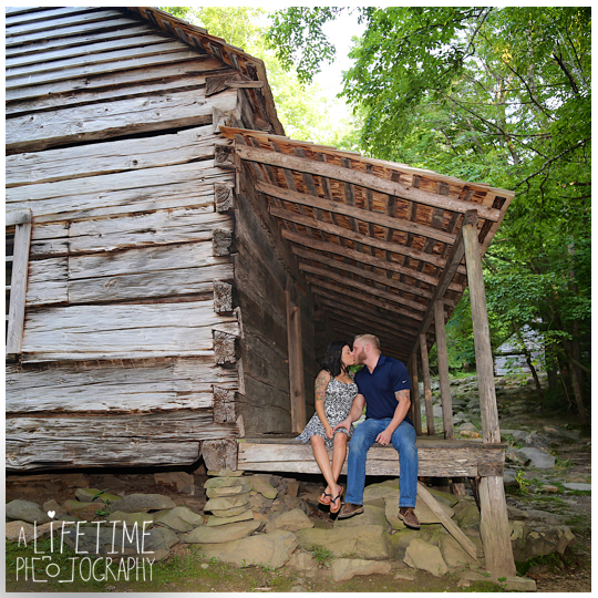 Wedding-elope-newlyweds-Photographer-Smoky-Mountains-Gatlinburg-Pigeon-Forge-Sevierville-Knoxville-Seymour-bride-groom-marriage-3