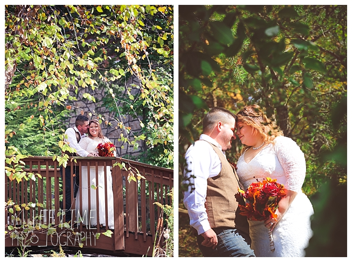 wedding-photographer-wedding-bell-chapel-smoky-mountains-gatlinburg-pigeon-forge-seviervile-knoxville-townsend-tennessee-cabin-reception_0024