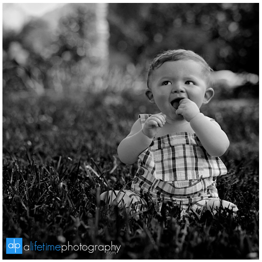 baby-kids-children-family-Photographer-UT-Gardens-Knoxville-TN-Photography-Sevierville-Pigeon-Forge-Gatlinburg-TN-photos-pictures-9-months-old-one year-6-month-child-9