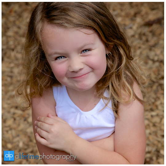 baby-newborn-kids-children-family-Photographer-Photography-in-Johnson-City-Kingsport-Bristol-Knoxville-Jonesborough-Sevierville-Pigeon-Forge-Gatlinburg-Photographers-8