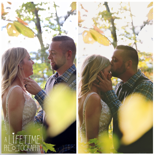 cabin-Wedding-Elope-Photographer-Gatlinburg-Pigeon-Forge-Smoky-Mountains-Bride-Groom-10