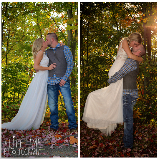 cabin-Wedding-Elope-Photographer-Gatlinburg-Pigeon-Forge-Smoky-Mountains-Bride-Groom-19