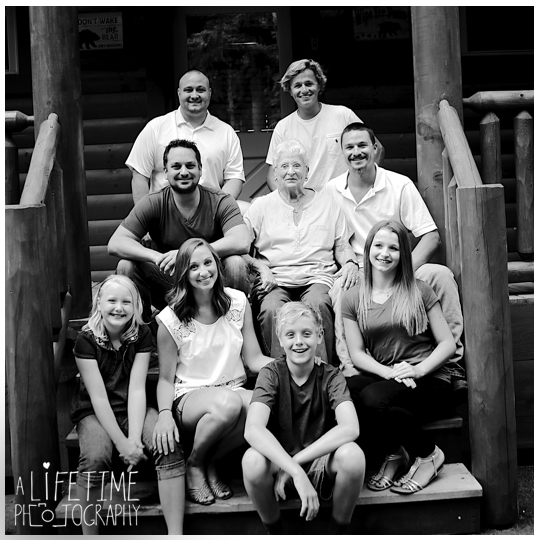 cabin-photographer-family-reunion-gatlinburg-pigeon-forge-knoxville-smoky-mountains-2