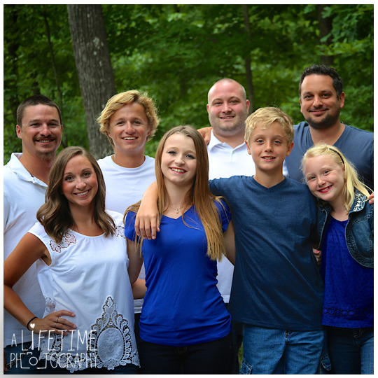 cabin-photographer-family-reunion-gatlinburg-pigeon-forge-knoxville-smoky-mountains-6