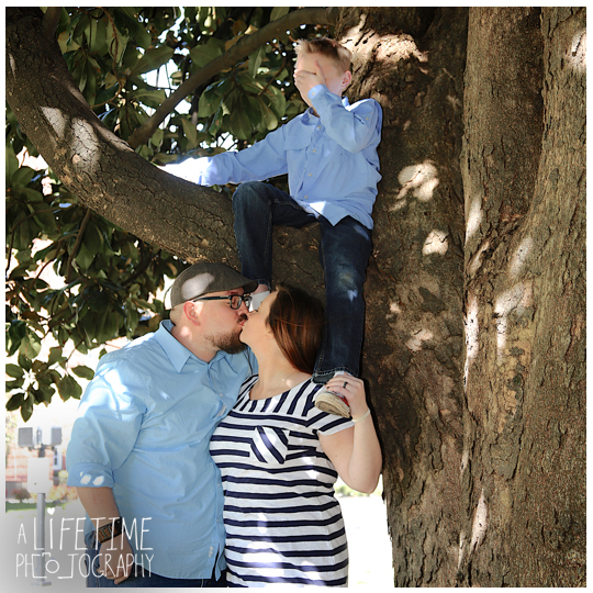 downtown-Knoxville-Market-Square-Family-Photographer-Photo-Shoot-11