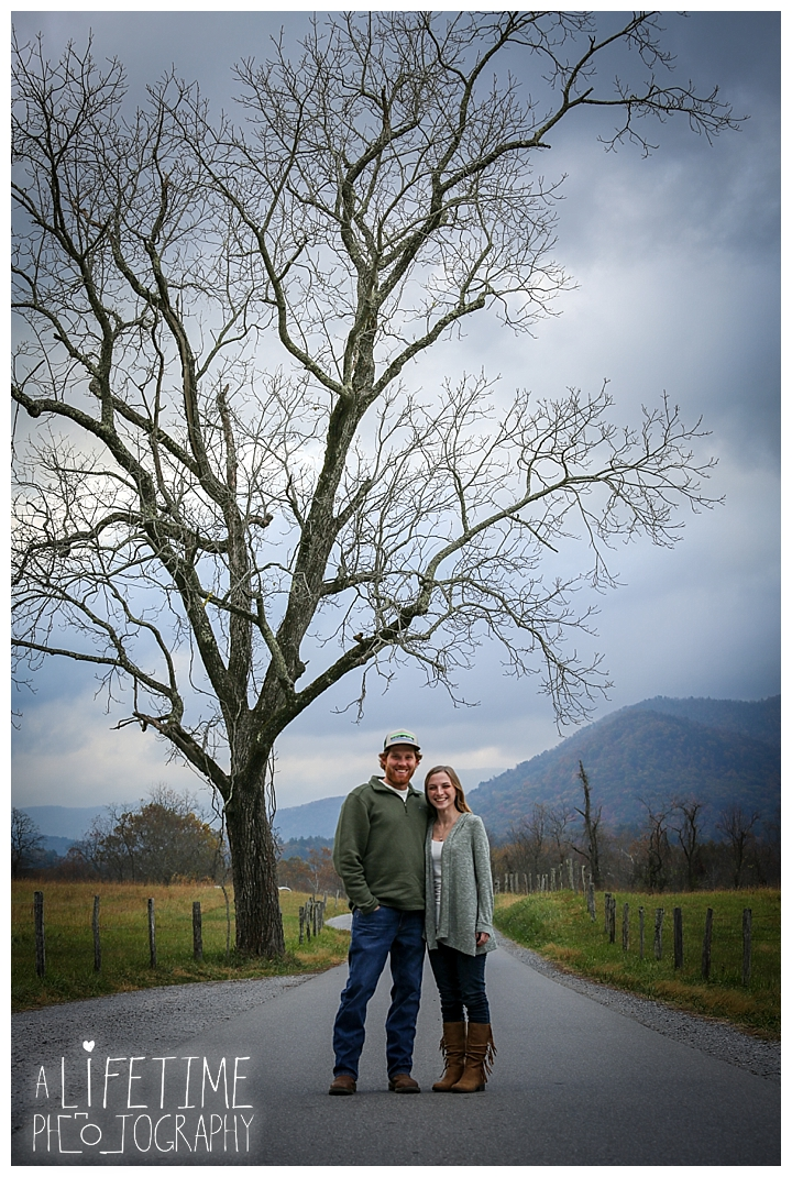 engagement-cades-cove-photographer-family-gatlinburg-pigeon-forge-knoxville-sevierville-dandridge-seymour-smoky-mountains-couple-townsend_0065