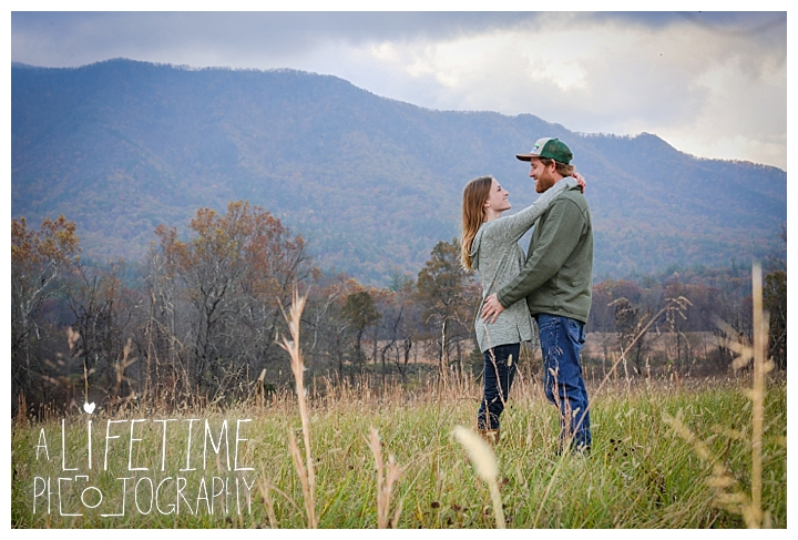 engagement-cades-cove-photographer-family-gatlinburg-pigeon-forge-knoxville-sevierville-dandridge-seymour-smoky-mountains-couple-townsend_0066