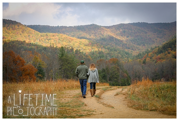 engagement-cades-cove-photographer-family-gatlinburg-pigeon-forge-knoxville-sevierville-dandridge-seymour-smoky-mountains-couple-townsend_0069