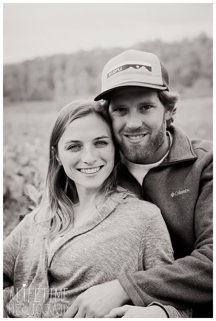 engagement-cades-cove-photographer-family-gatlinburg-pigeon-forge-knoxville-sevierville-dandridge-seymour-smoky-mountains-couple-townsend_0075
