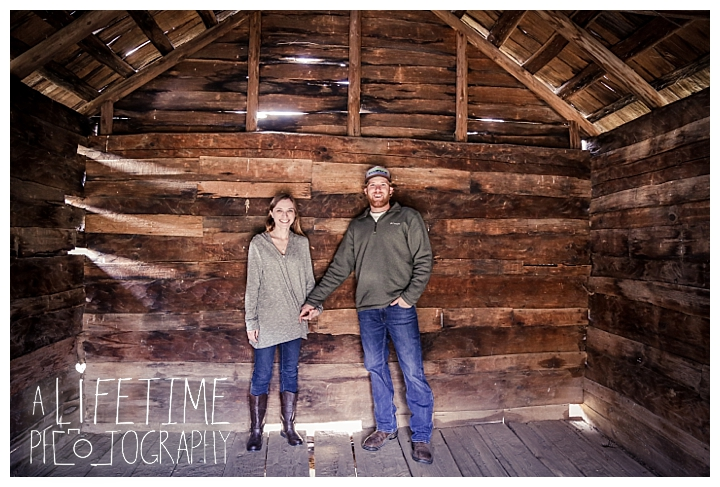 engagement-cades-cove-photographer-family-gatlinburg-pigeon-forge-knoxville-sevierville-dandridge-seymour-smoky-mountains-couple-townsend_0082