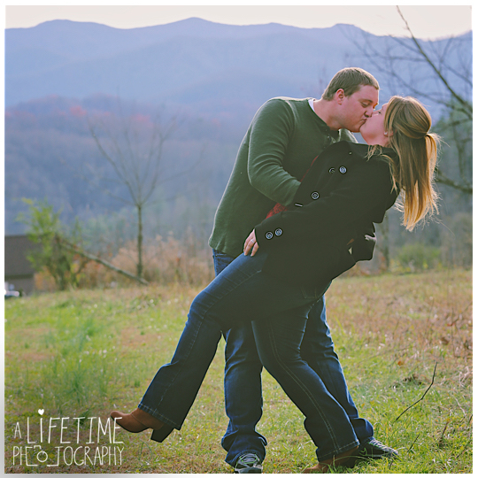 engagement-photographer-couple-Smoky-Mountains-Gatlinburg-Knoxville-Pigeon-Forge-TN-Pictures-3