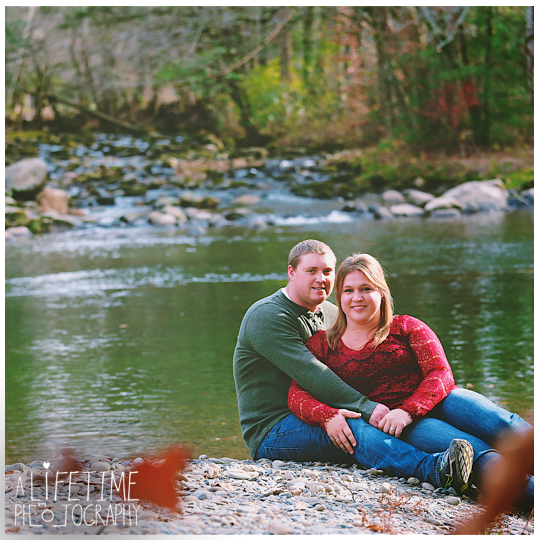 engagement-photographer-couple-Smoky-Mountains-Gatlinburg-Knoxville-Pigeon-Forge-TN-Pictures-7