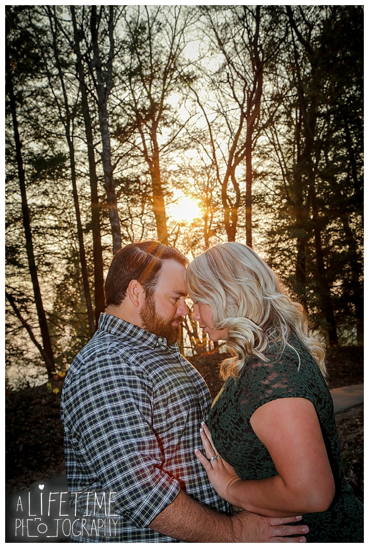 engagement-photos-cades-cove-townsend-photographer-family-gatlinburg-pigeon-forge-knoxville-sevierville-dandridge-seymour-smoky-mountains-couple_0040