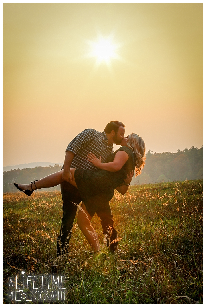 engagement-photos-cades-cove-townsend-photographer-family-gatlinburg-pigeon-forge-knoxville-sevierville-dandridge-seymour-smoky-mountains-couple_0043