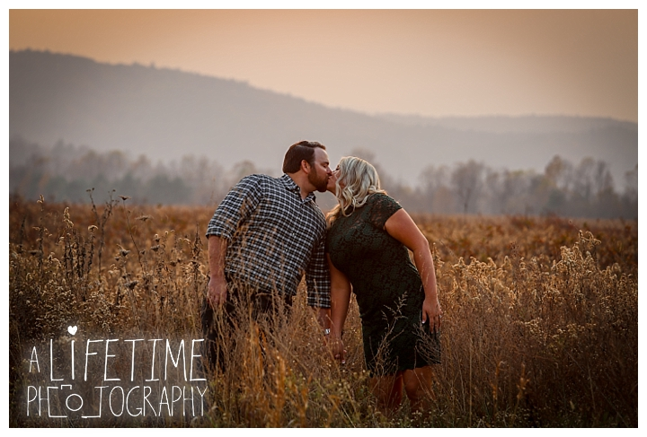 engagement-photos-cades-cove-townsend-photographer-family-gatlinburg-pigeon-forge-knoxville-sevierville-dandridge-seymour-smoky-mountains-couple_0045