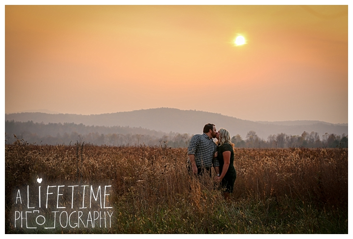 engagement-photos-cades-cove-townsend-photographer-family-gatlinburg-pigeon-forge-knoxville-sevierville-dandridge-seymour-smoky-mountains-couple_0047