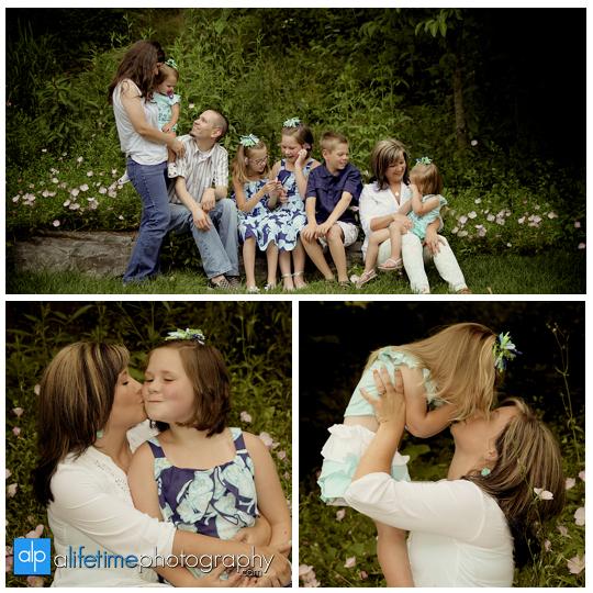 family-Photographers-in-Johnson-City-TN-Kids-Children-reunion-Photography-Johnson-City-Kingsport-Bristol-downtown-Jonesborough-Tn-Greeneville-Knoxville-Pigeon-Forge-Gatlinburg-Sevierville-6