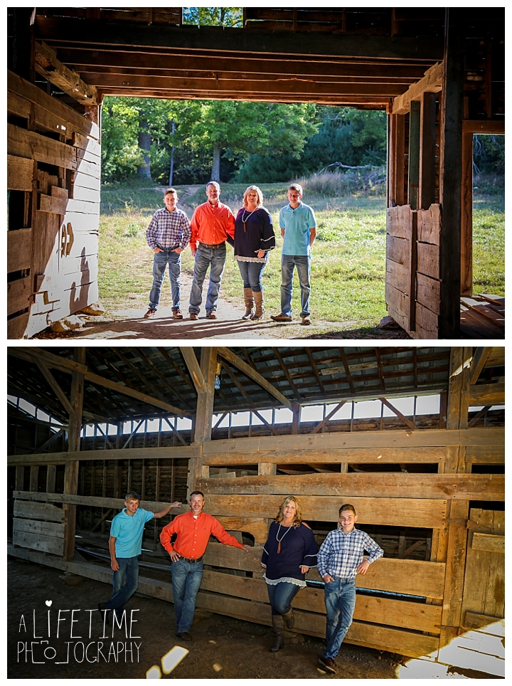 family-photographer-cades-cove-smoky-mountains-gatlinburg-pigeon-forge-seviervile-knoxville-townsend-tennessee_0005