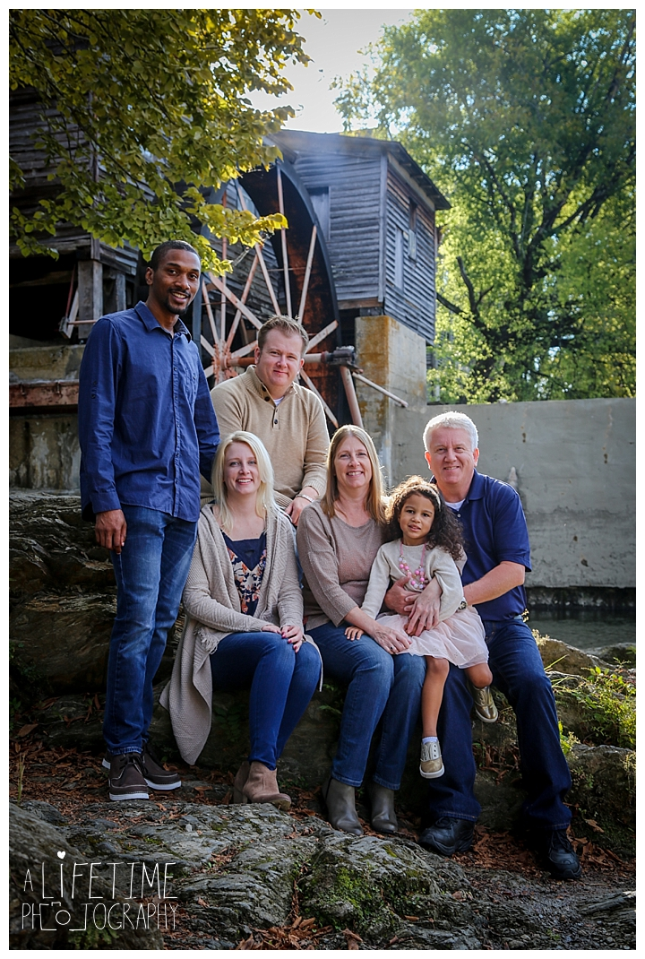 family-photographer-smoky-mountains-gatlinburg-pigeon-forge-seviervile-knoxville-townsend-tennessee-patriot-park-mountain-view_0130