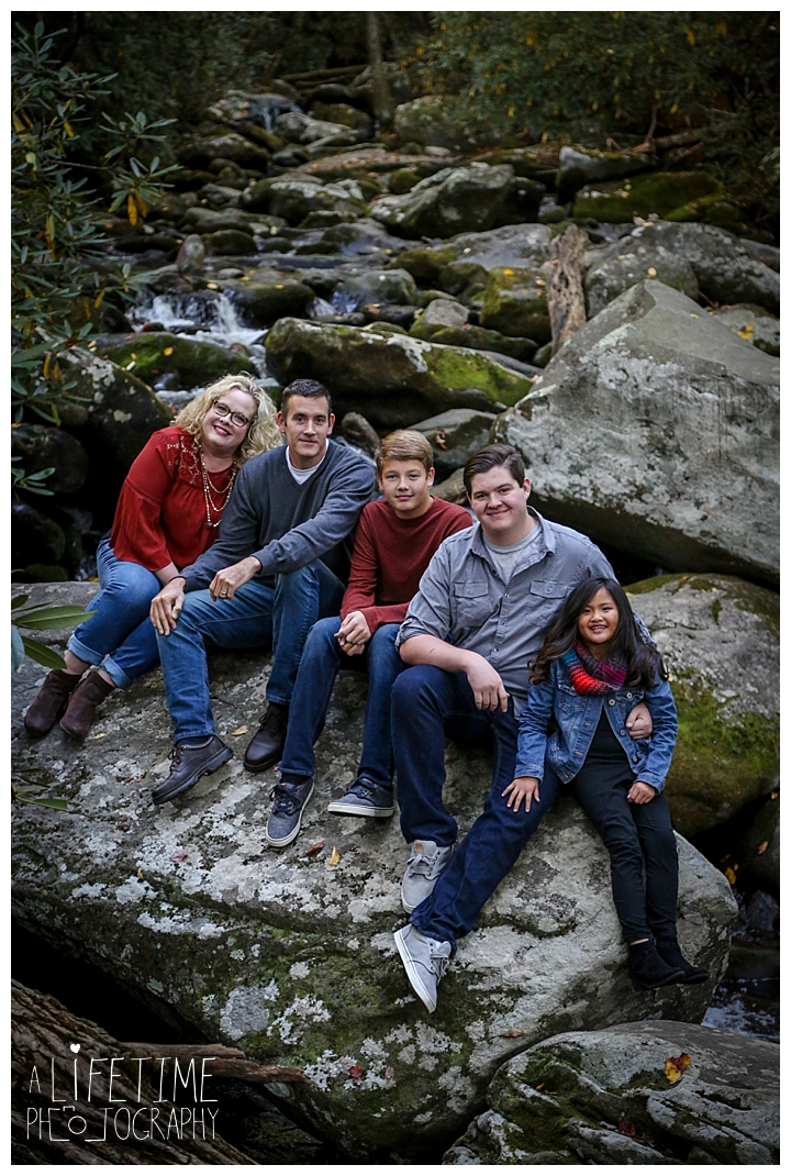 family-photographer-smoky-mountains-gatlinburg-pigeon-forge-seviervile-knoxville-townsend-tennessee-roaring-fork-motor-nature-trail_0111