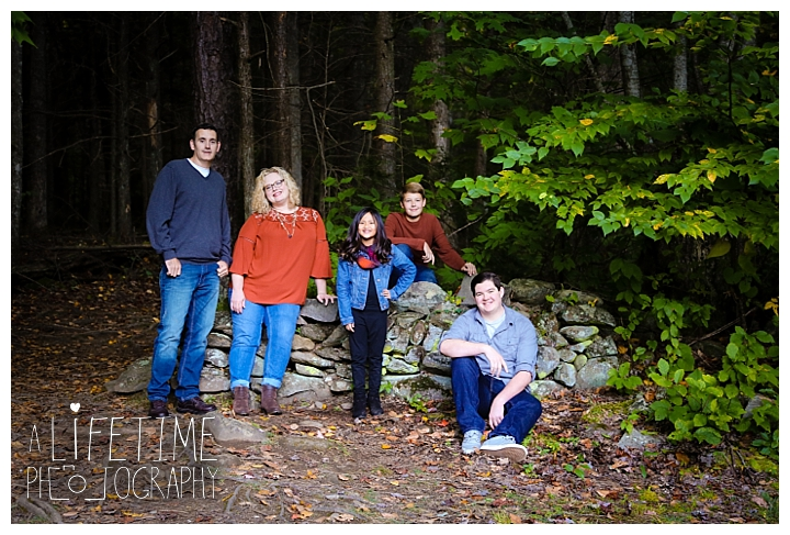family-photographer-smoky-mountains-gatlinburg-pigeon-forge-seviervile-knoxville-townsend-tennessee-roaring-fork-motor-nature-trail_0113