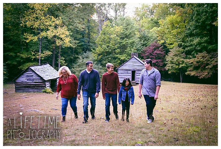 family-photographer-smoky-mountains-gatlinburg-pigeon-forge-seviervile-knoxville-townsend-tennessee-roaring-fork-motor-nature-trail_0116