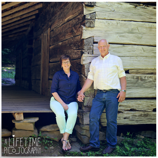 gatlinburg-Family-Photographer-Pigeon-Forge-Sevierville-Smoky-Mountain-National-Park-Kids-reunion-Pictures-Photo-Session-Knoxville-Tennessee-7a