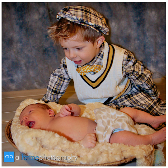 kid-birthday-photographer-newborn-family-studio-photographer-Pigeon-Forge-Knoxville-Gatlinburg-TN-9