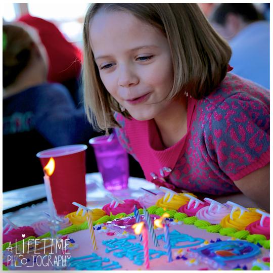 magician-birthday-party-kids-Ryan-Robinette-Bristol-TN-Knoxville-Sevierville-Seymour-Kingsport-Johnson-City-Jonesborough-Maryville-Pigeon-Forge-Gatlinburg-Photographer-8