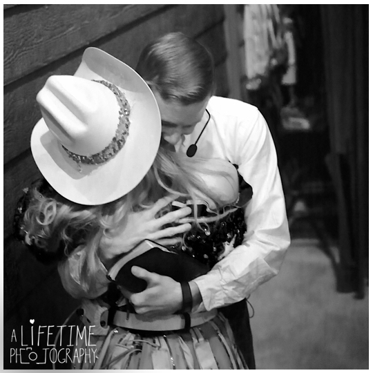marriage-engagement-photographer-Pigeon-Forge-Dixie-Stampede-Gatlinburg-Smoky-Mountains-8
