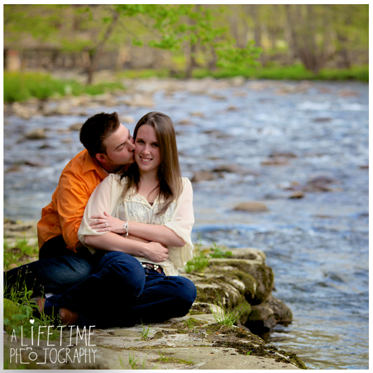 marriage-proposal-secret-photographer-on-top-of-the-space-needle-mountain-view-Gatlinburg-Pigeon-Forge-Sevierville-Townsend-Knoxville-TN-surprise-engagement-wedding-11