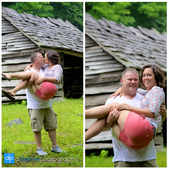 marriage-proposal-wedding-engagement-ring-marry-me-getting-engaged-ideas-Gatlinburg-TN-Photographer-Secretly-photographed-photographing-photography-pictures-kids-fiance-engaged-couple-Pigeon-Forge-National-Park-Smoky-Mountians-18