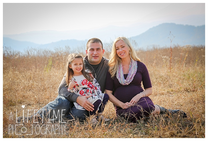 maternity-photographer-family-gatlinburg-pigeon-forge-knoxville-sevierville-dandridge-seymour-smoky-mountains-couple_0033