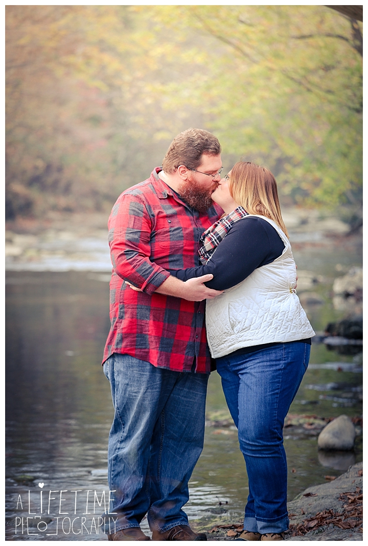 one-year-anniversary-photospatriot-park-townsend-photographer-family-gatlinburg-pigeon-forge-knoxville-sevierville-dandridge-seymour-smoky-mountains-couple_0055