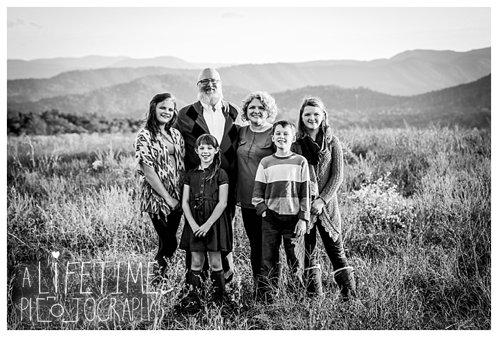 photographer-gatlinburg-pigeon-forge-knoxville-family-smoky-mountains-sunset-pictures-kids-senior-wedding-patriot-park-old-mill-waterfall_0075