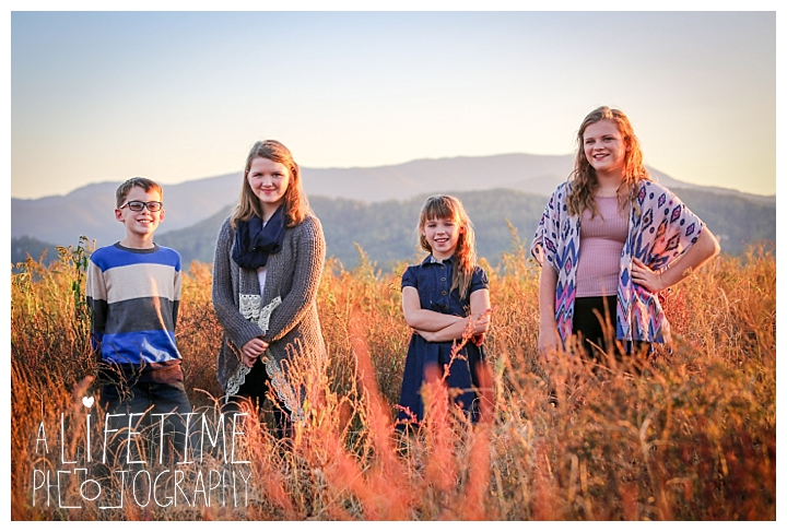 photographer-gatlinburg-pigeon-forge-knoxville-family-smoky-mountains-sunset-pictures-kids-senior-wedding-patriot-park-old-mill-waterfall_0078