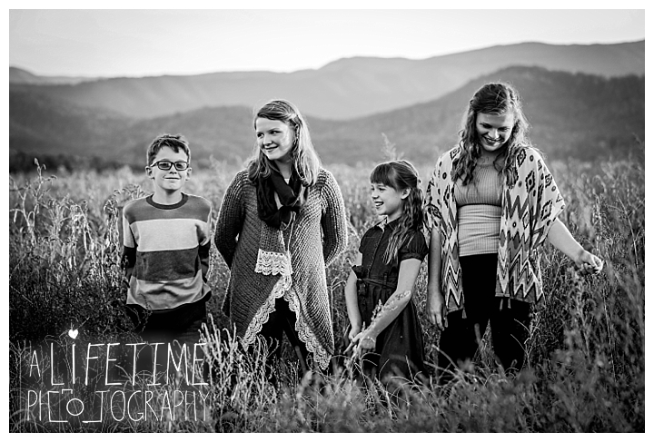 photographer-gatlinburg-pigeon-forge-knoxville-family-smoky-mountains-sunset-pictures-kids-senior-wedding-patriot-park-old-mill-waterfall_0079