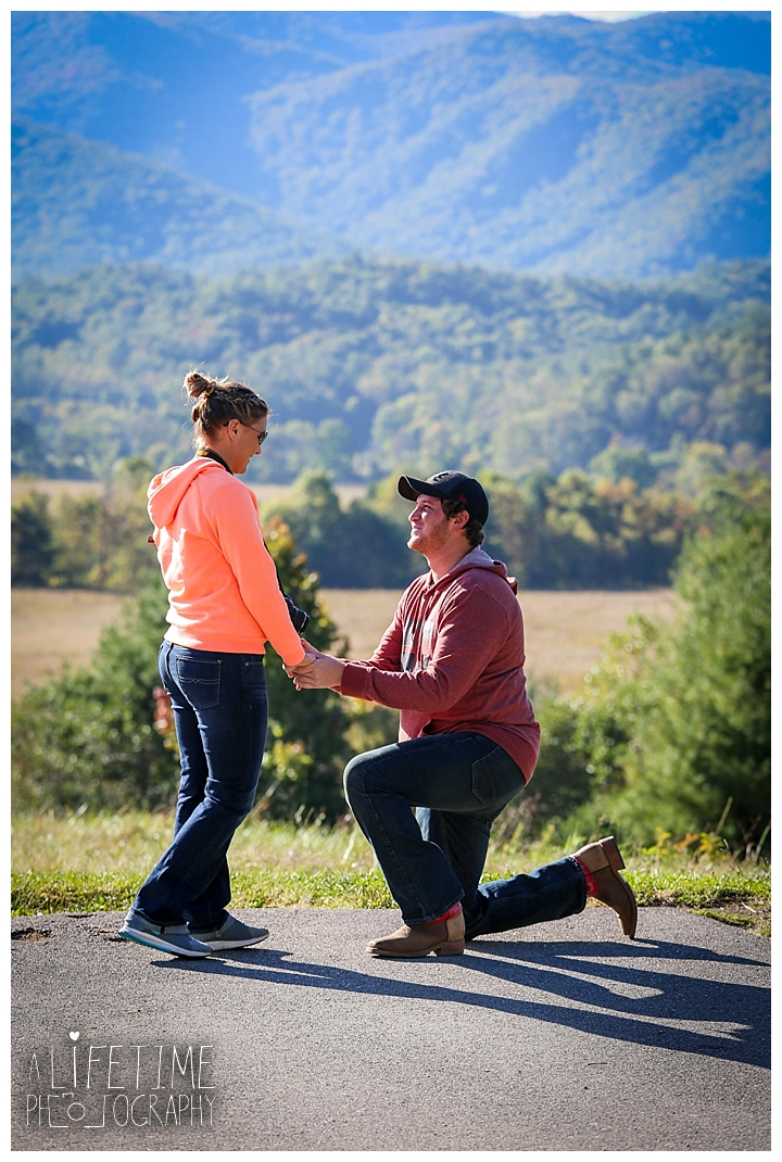 proposal-couple-photographer-cades-cove-smoky-mountains-gatlinburg-pigeon-forge-seviervile-knoxville-townsend-tennessee_0066