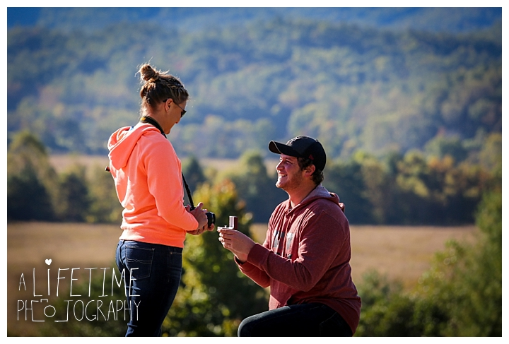 proposal-couple-photographer-cades-cove-smoky-mountains-gatlinburg-pigeon-forge-seviervile-knoxville-townsend-tennessee_0067