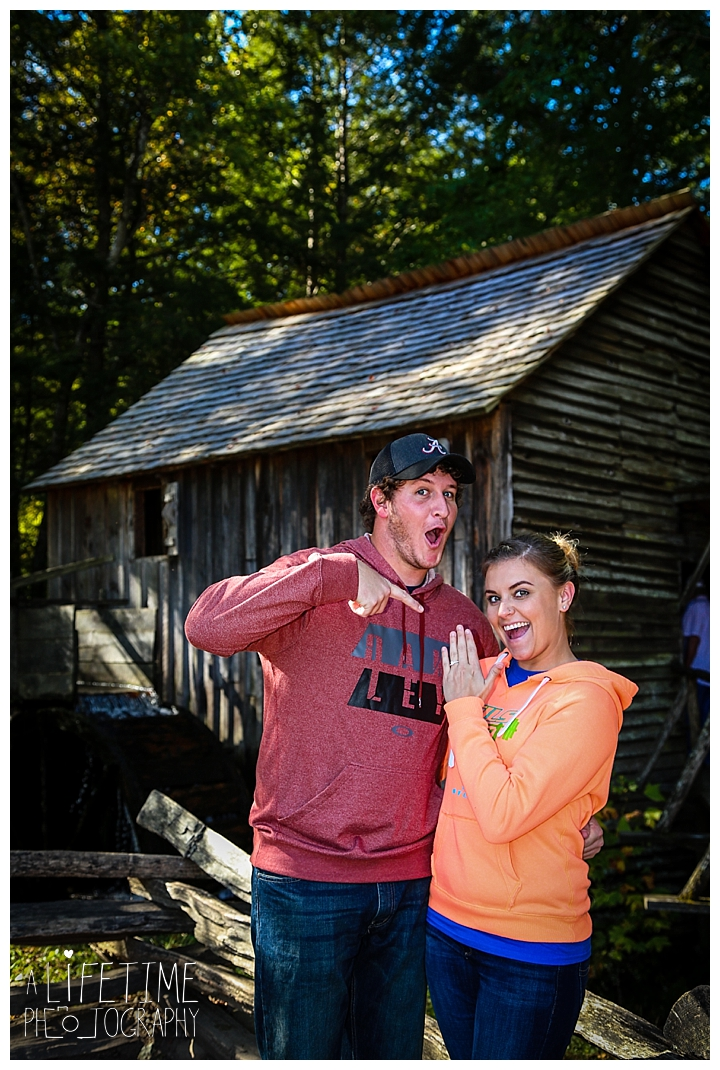 proposal-couple-photographer-cades-cove-smoky-mountains-gatlinburg-pigeon-forge-seviervile-knoxville-townsend-tennessee_0078