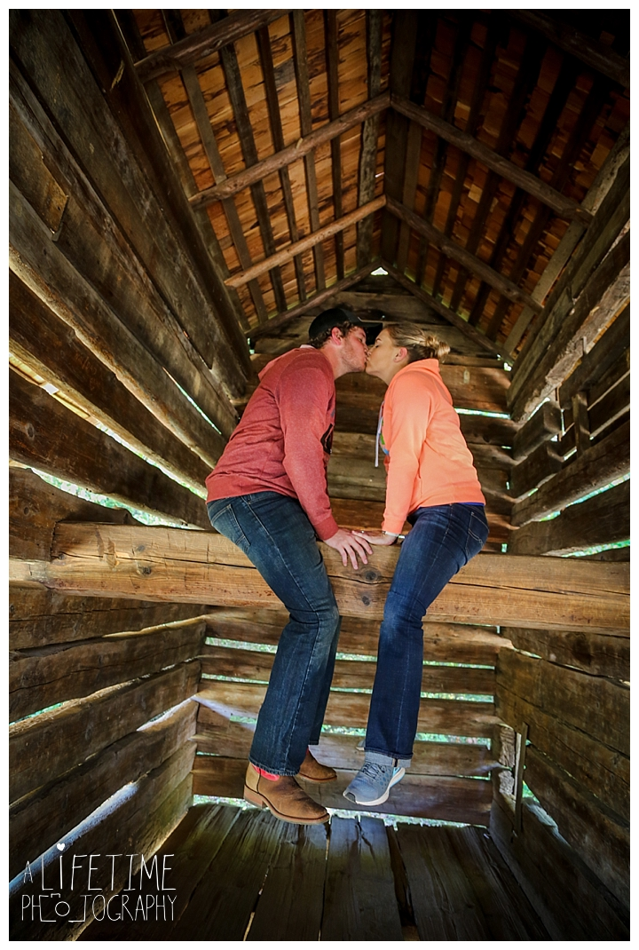 proposal-couple-photographer-cades-cove-smoky-mountains-gatlinburg-pigeon-forge-seviervile-knoxville-townsend-tennessee_0079
