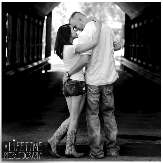 secret-proposal-photographer-Gatlinburg-Pigeon-Forge-Sevierville-Knoxville-Maryville-TN-wedding-marriage-engagement-Emerts-Cove-Covered-Bridge-Pittman-Center-Smoky-Mountains-Girlfriend-8