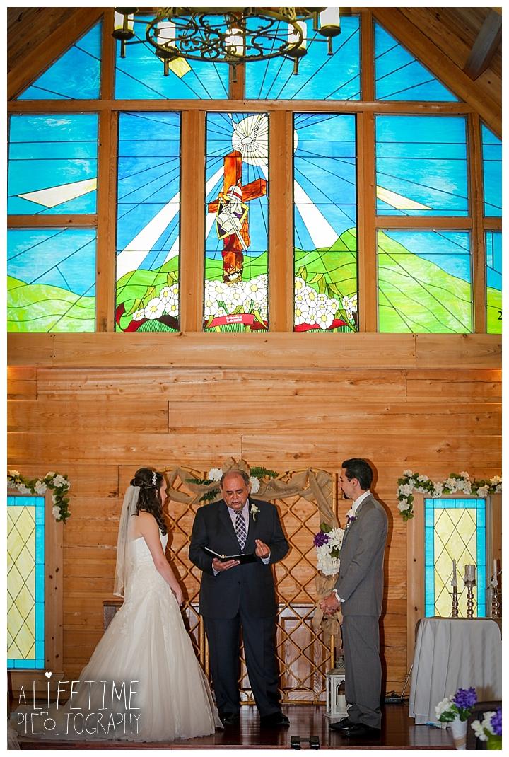 wedding-photographer-bristol-tn-johnson-city-kingsport-fern-valley-farm-blountville-knoxville-photos-bride-groom_0030