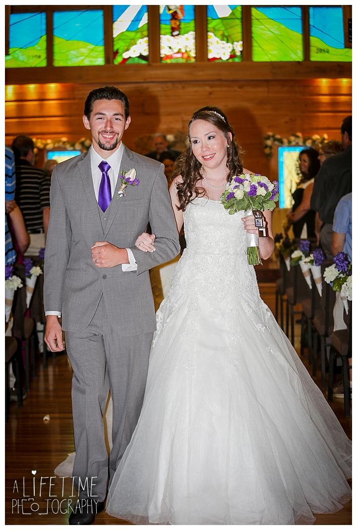 wedding-photographer-bristol-tn-johnson-city-kingsport-fern-valley-farm-blountville-knoxville-photos-bride-groom_0033