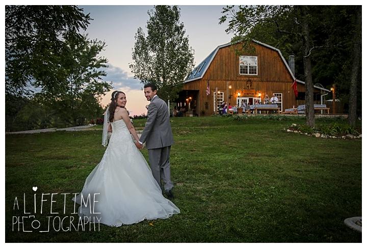wedding-photographer-bristol-tn-johnson-city-kingsport-fern-valley-farm-blountville-knoxville-photos-bride-groom_0055